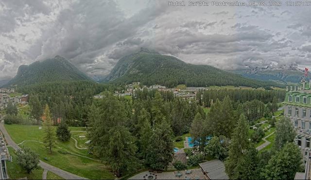 Blick vom Hotel Saratz